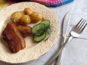 Kiaulienos šoninė orkaitėje su bulvėmis