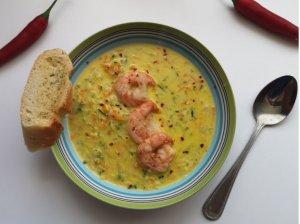 Kokosinė daržovių sriuba su krevetėmis