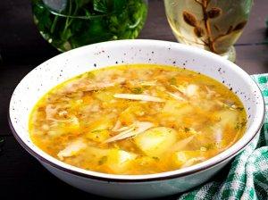 Vištienos sriuba su bulvėmis ir grikiais