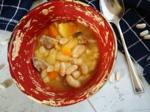 Pupelių sriuba su dešrelėmis