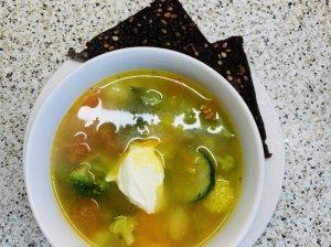 Daržovių sriuba su ryžiais