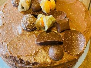 Šokoladinis tortas su šokoladiniu maskarponės kremu