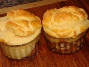 """Virtų bulvių apkepas """"suflė"""" su sūriu - nesudėtinga, gražu ir skanu"""
