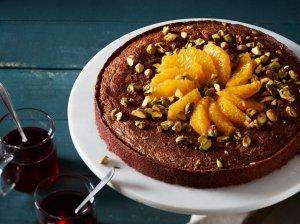 Drėgnas šokoladinis pyragas su apelsinais