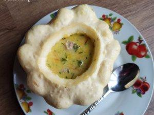 Daržovių sriuba su sūreliu ir mėsos kukuliais