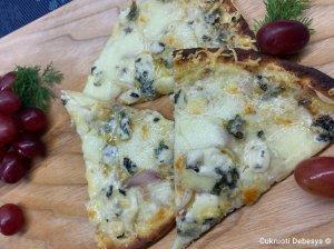 Trijų sūrių pica
