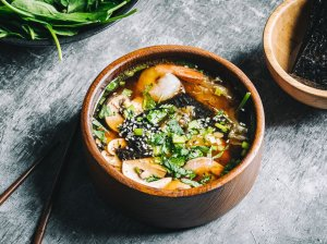 Miso sriuba su krevetėmis