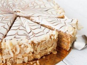 Vengriškas tortas su sodriu sviestiniu kremu