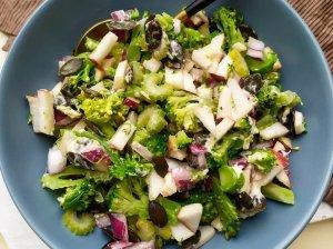 Brokolių salotos su obuoliais