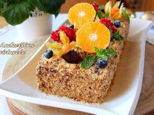 Tortas su grietinėlės kremu
