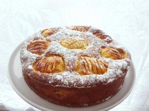 Obuolių pyragas su avižiniais miltais
