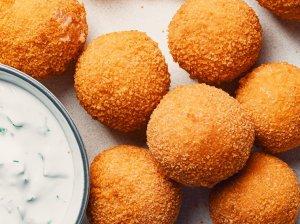 Traškūs sūrio kamuoliukai