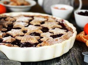 Trupininis pyragas su vyšnių uogiene