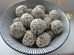 Riešutų - džiovintų vaisių skanuoliai