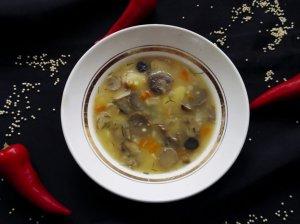 Grybų sriuba su sorų kruopomis
