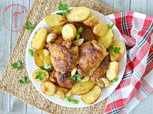 Orkaitėje kepta vištiena su bulvėmis