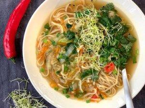 Aštri kiniška sriuba