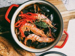 Pomidorinis jūros gėrybių troškinys