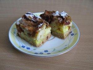 Varškės - vaisių pyragas