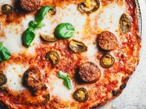 Pica su chorizo dešrelėmis