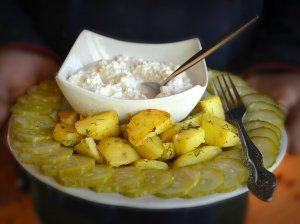 Bulvės su varškės padažu