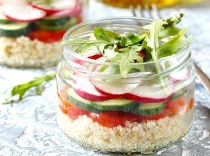 Daržovių salotos su bolivine balanda