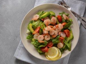 Gaivios avokadų salotos su krevetėmis