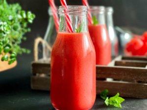 Braškių ir arbūzo kokteilis
