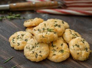 Pikantiški sausainėliai su parmezanu