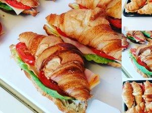 Sviestinių raguolių sumuštiniai su kumpiu ir sūriu