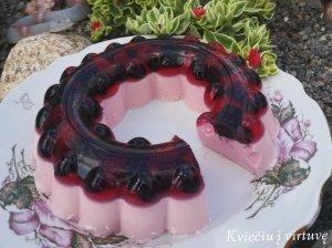 Varškės ir želė tortas