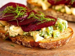 Šaltibarščių sumuštiniai