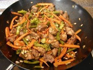 Mėsos ir daržovių troškinys