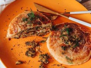Bulviniai blynai su grybų įdaru