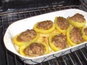 Bulvių laiveliai su mėsa