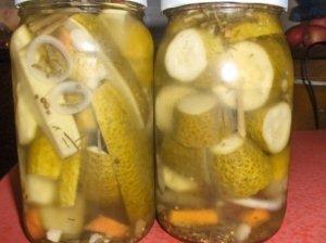 Danišku receptu marinuoti agurkai