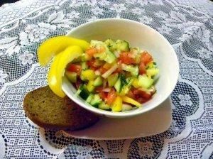 Daržovių salotos su aliejum