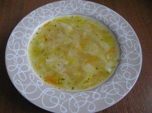 Kopūstų sriuba su vištiena