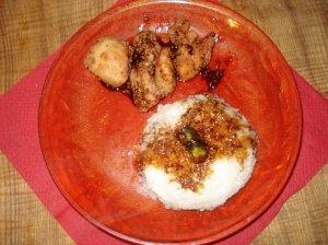 Traškūs paukštienos gabaliukai su kinietišku saldžiarūgščiu padažu