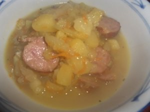 Kopūstų sriuba - troškinys su dešrelėm