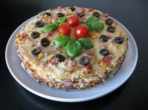 Lietinių blynų tortas su vištiena
