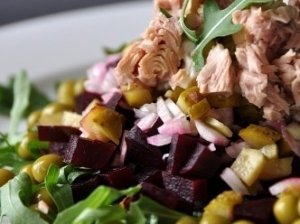 Burokėlių – tuno salotos