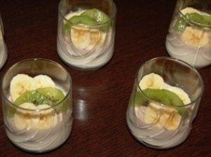 Bananinė panna cotta su kiviais