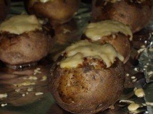 Bulvės su lupenomis, įdarytos faršu