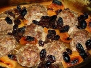 Aluje su džiovintais vaisiais kepti maltinukai