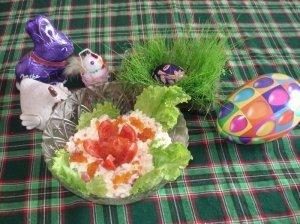 Velykinės kiaušinių, pomidorų ir ikrų salotos