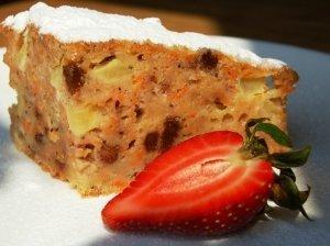 Velykinis morkų pyragas