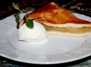 Obuolių pyragas su ledais