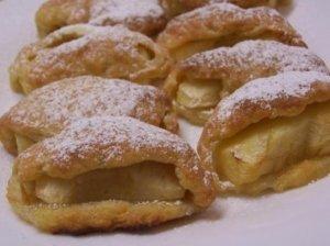 Varškės pyragėliai su obuoliu