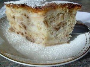Riešutų pyragas su obuoliais